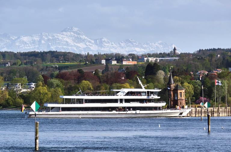 MS-Ueberlingen-Weiße-Flotte-fährt-wieder
