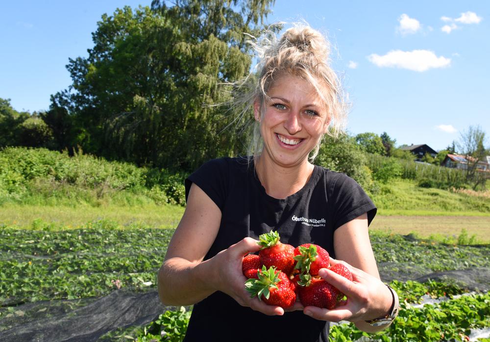 Lena Nüberlin, Obstbaumeisterin in 26. Generation bei Obstbau Nüberlin