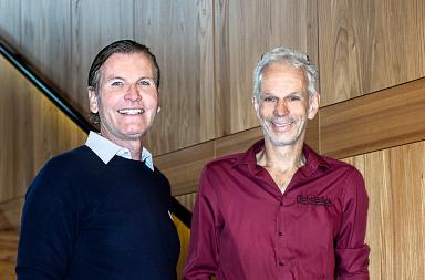 Thomas Weber (Inhaber Il Boccone) und Markus Wintersig (Inhaber Lichtblick) freuen sich über die kommende Hausmesse, die seit Jahren erfolgreich an jeweils zwei Tagen im stylishen Ambiente des Boccone stattfindet.